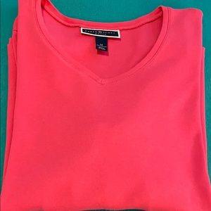 💰2/12 T-shirts💰 Karen Scott V-neck T-shirt pink